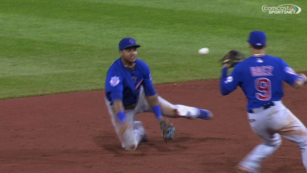 Starlin robs ex-mate with game-saving DP