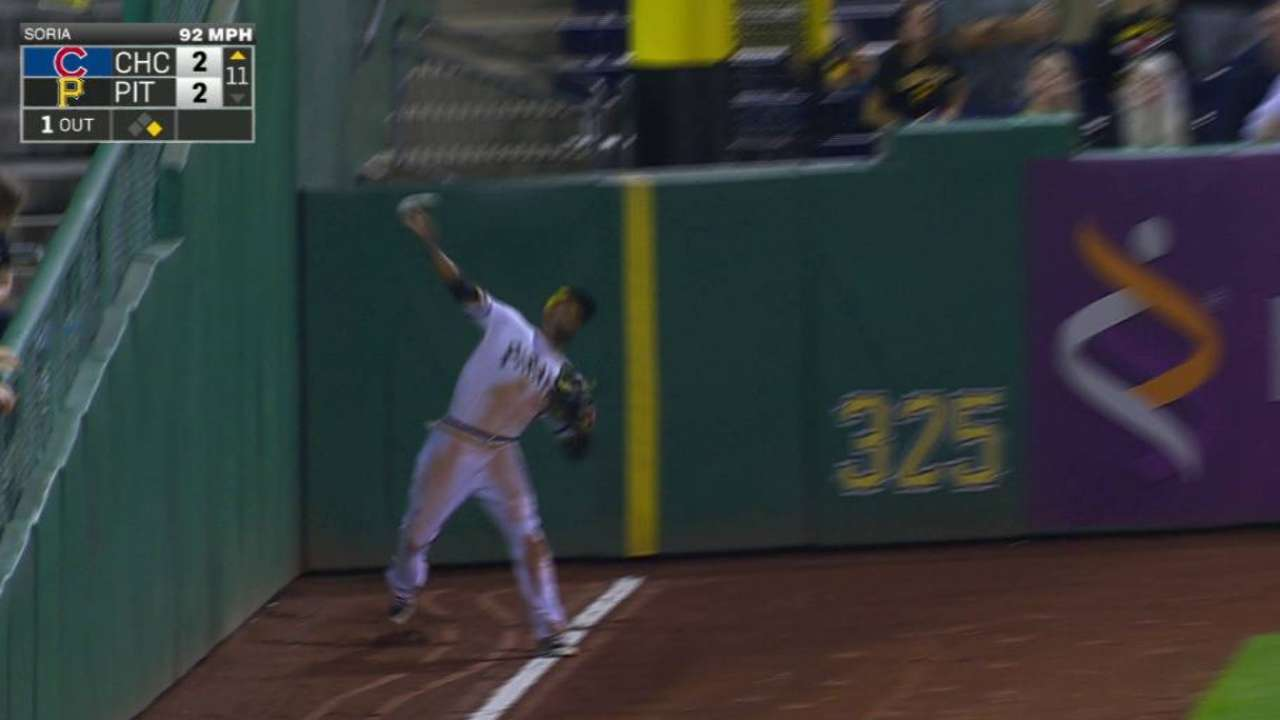 Marte's throw nabs La Stella