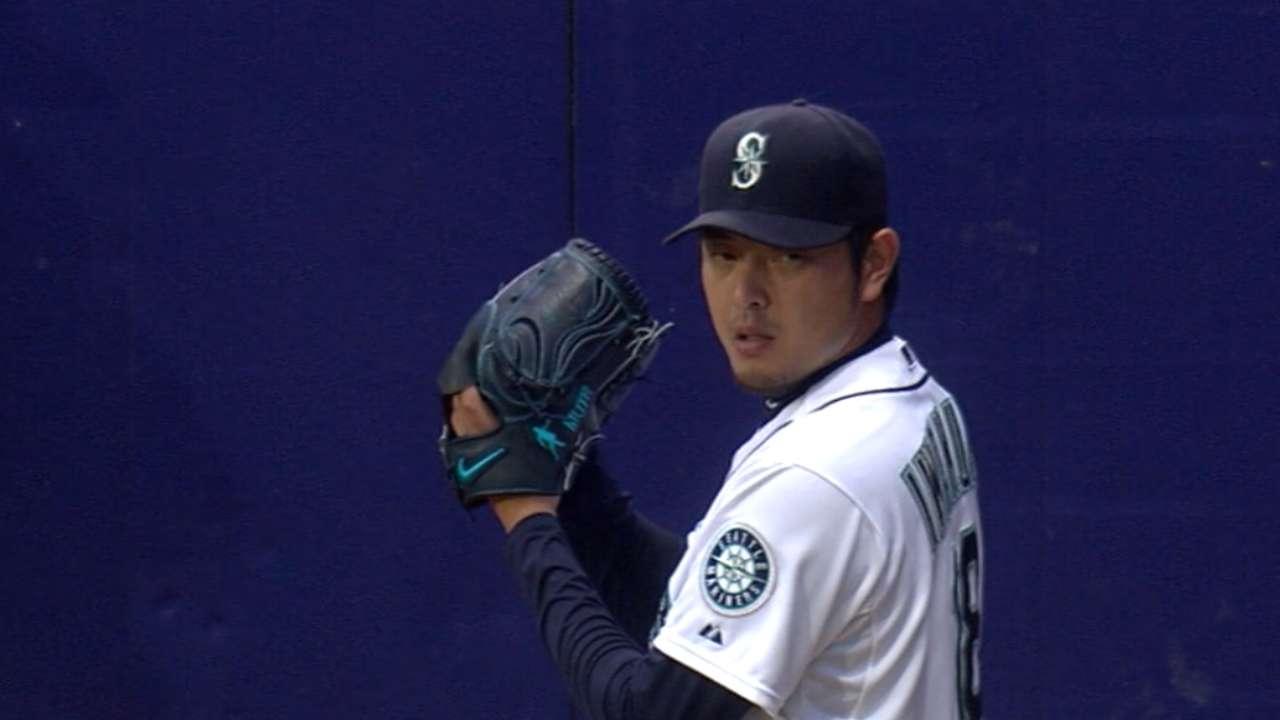 Iwakuma earns win No. 8