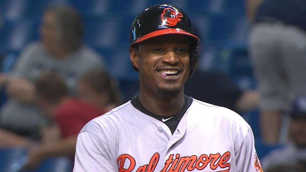 O's storm back with 4-run rally to stun Rays