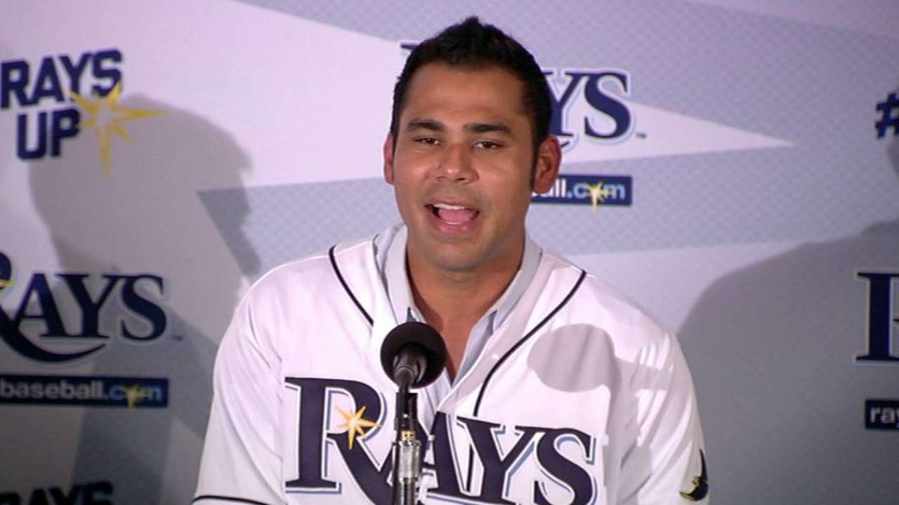 Pena throws out first pitch