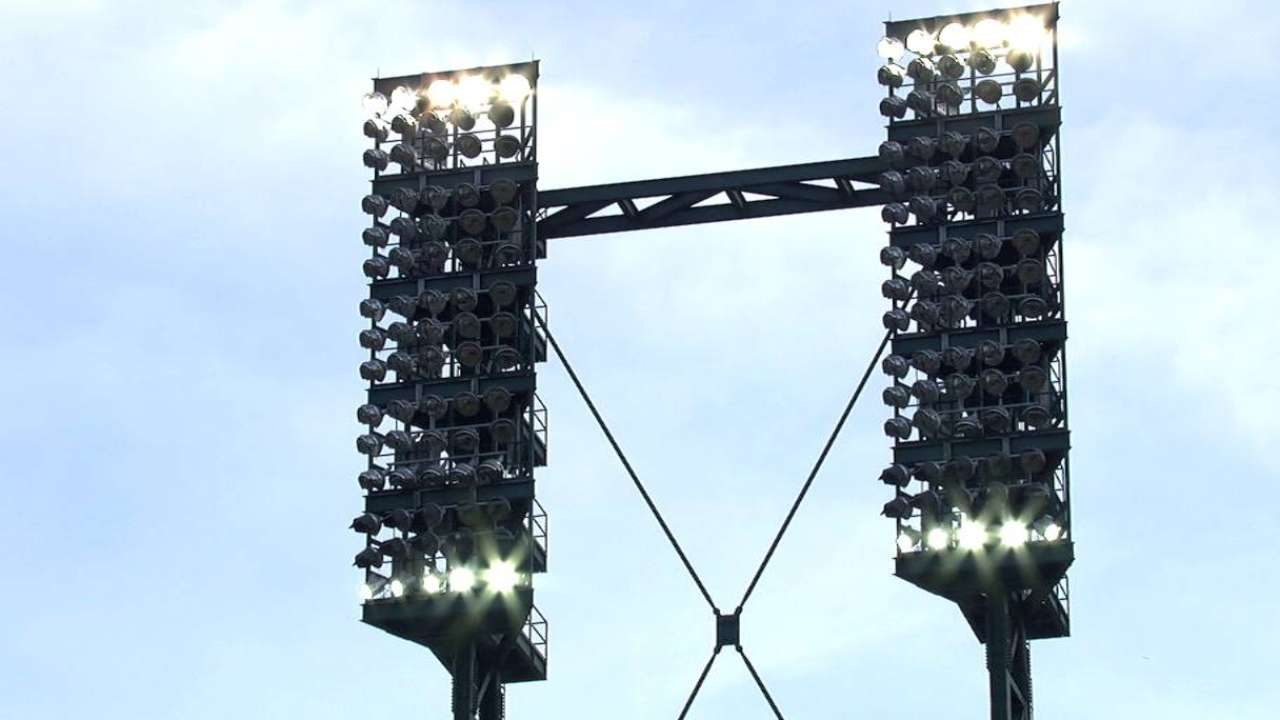 Power outage delays Royals-Tigers matchup