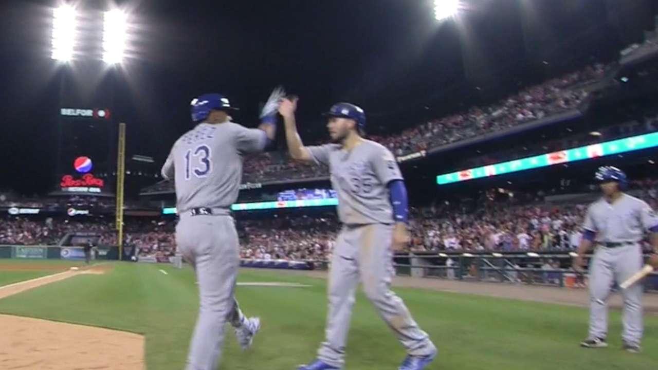 Perez's game-tying two-run shot