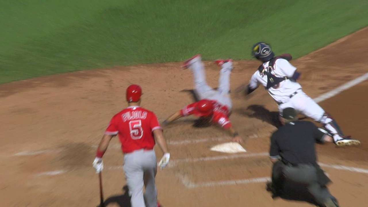 Trout's sac fly to right