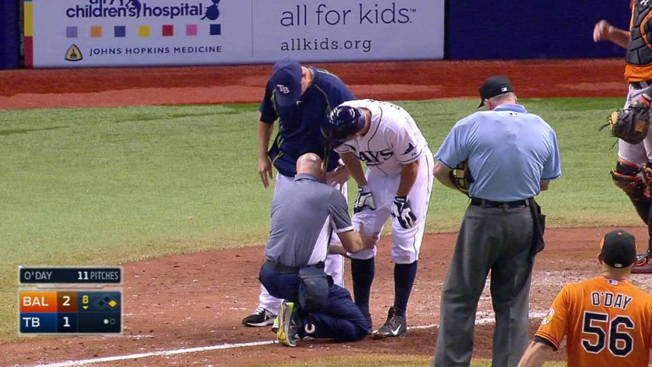 Sizemore exits after HBP, is day to day
