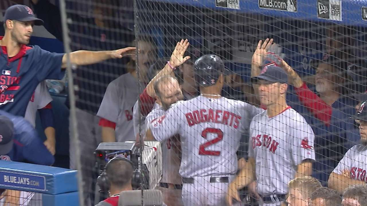 Red Sox's 5-run 9th drops Jays' lead to 3 1/2