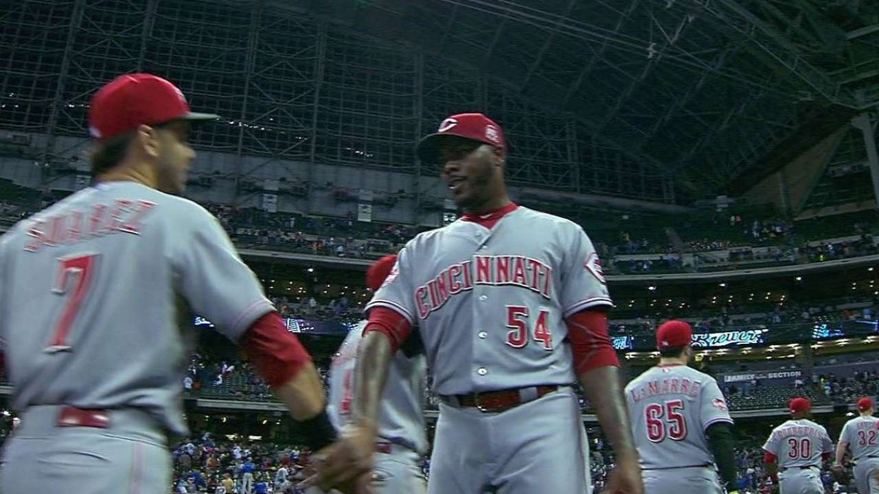 Chapman collects 32nd save