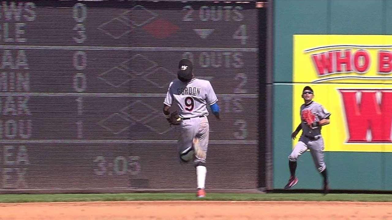 Gordon's over-the-shoulder catch