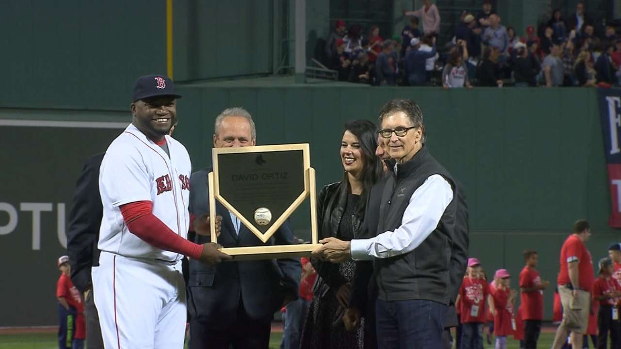 Ortiz honored for 500th homer