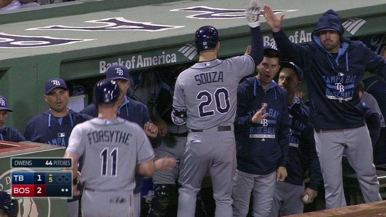Souza Jr.'s sacrifice fly