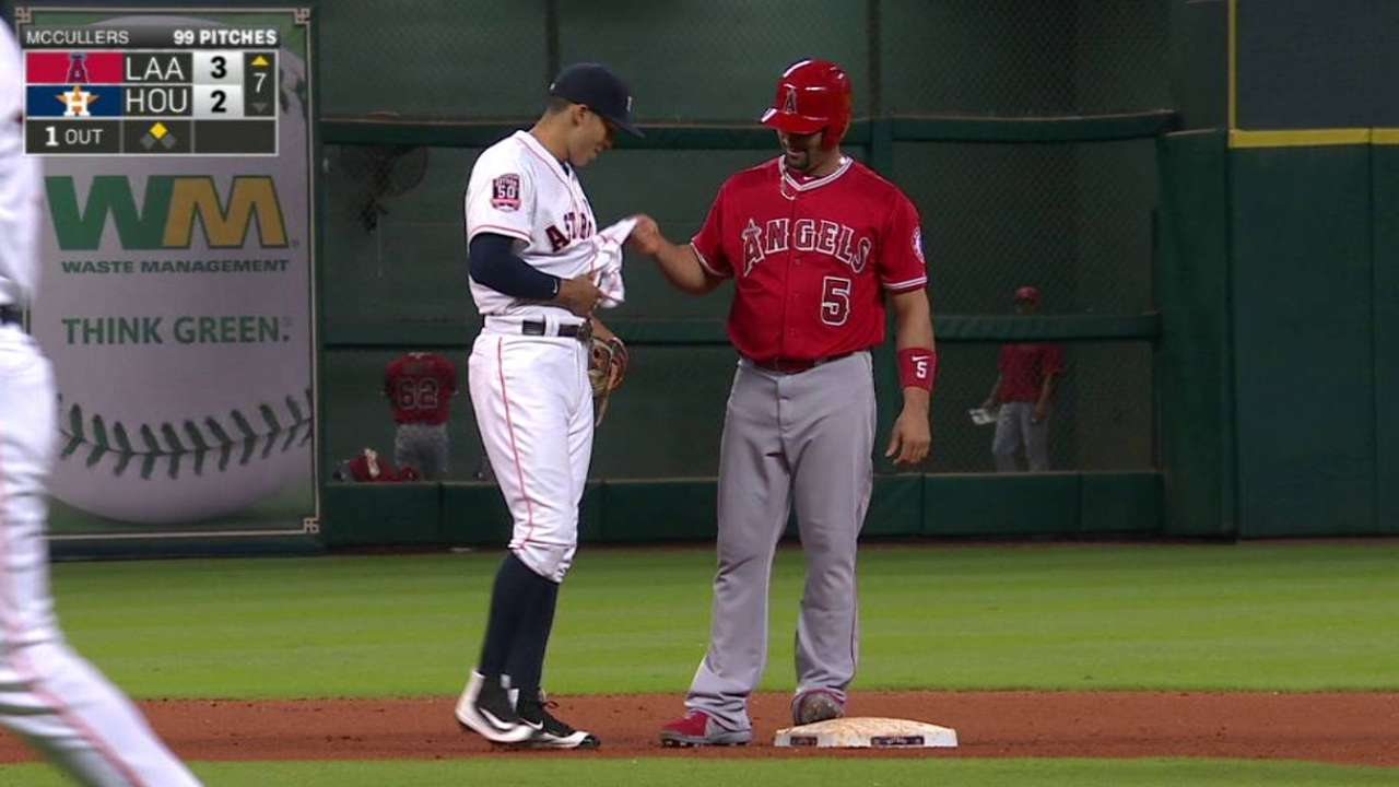 Pujols jokes in MLB's top GIF of the Day