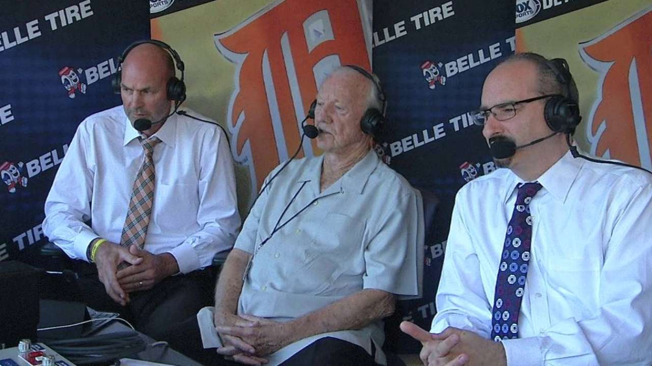 Kaline visits the booth