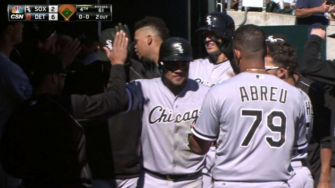 Melky: White Sox must play like family to contend