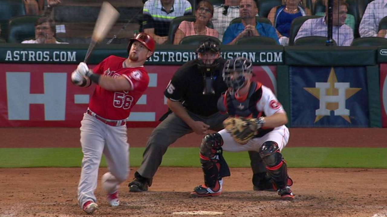Angels rally to move within 1 1/2 of Astros