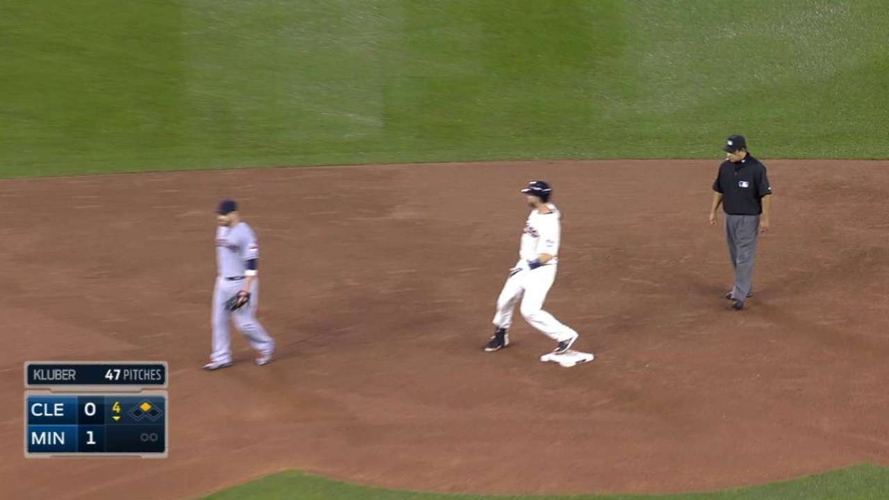 Mauer reaches 42nd straight game