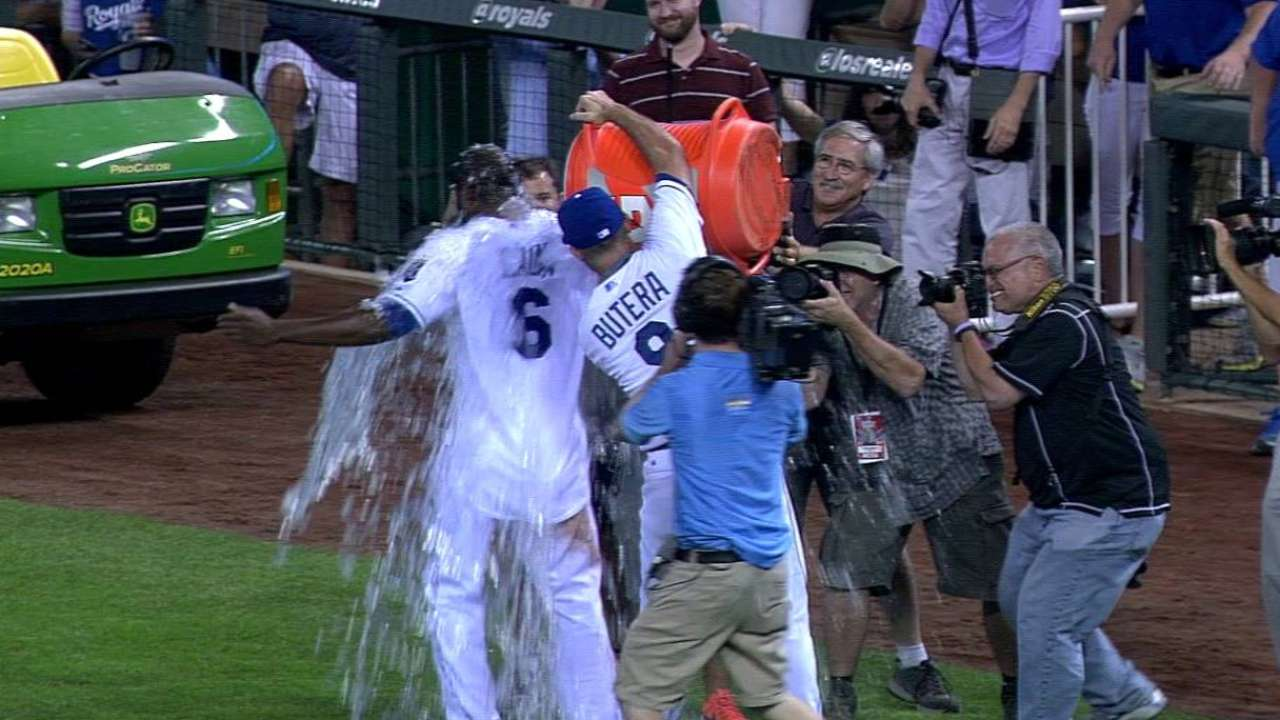 Royals, Cain bubbling over after walk-off win