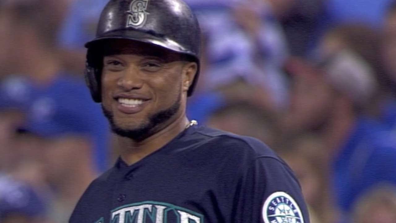 Cano logs 2,000th career hit against Royals