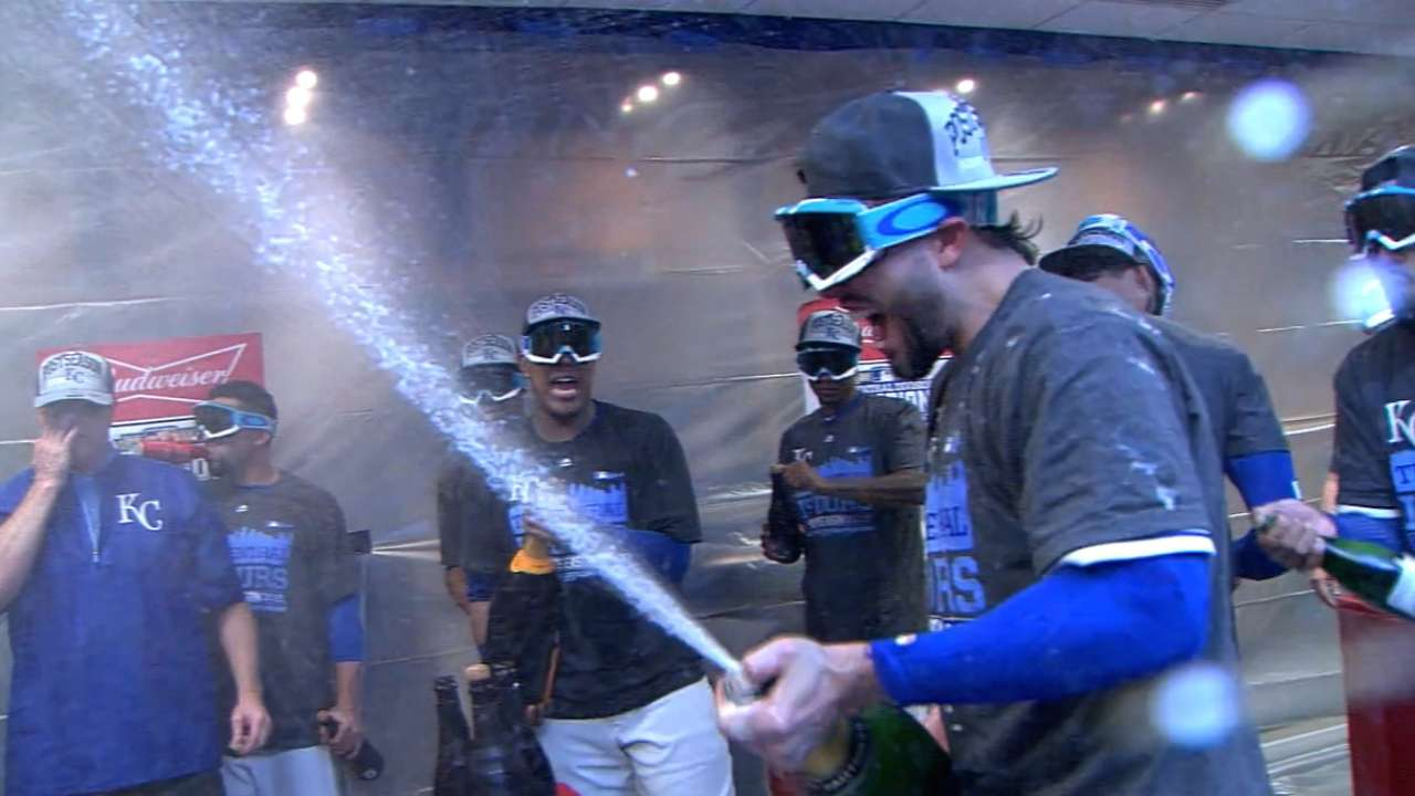Must C: Royals clinch division