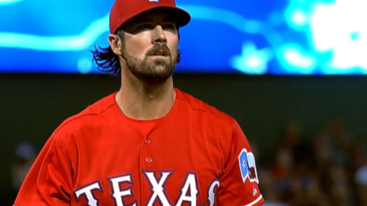 Hamels continues to roll