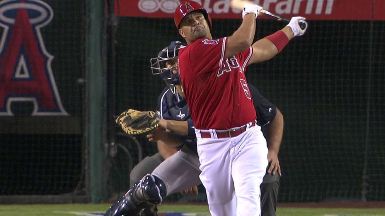 Angels a half-game back in WC after win