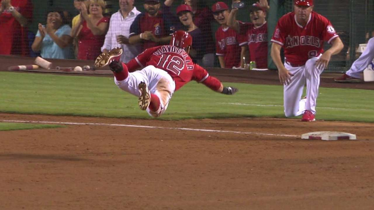 Giavotella sparks Angels in return to lineup