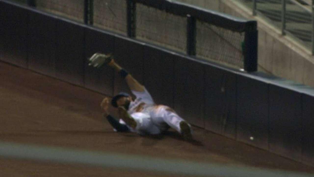 Kemp's terrific sliding grab