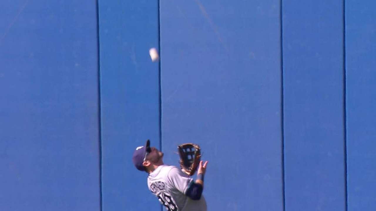 Kiermaier's nice catch