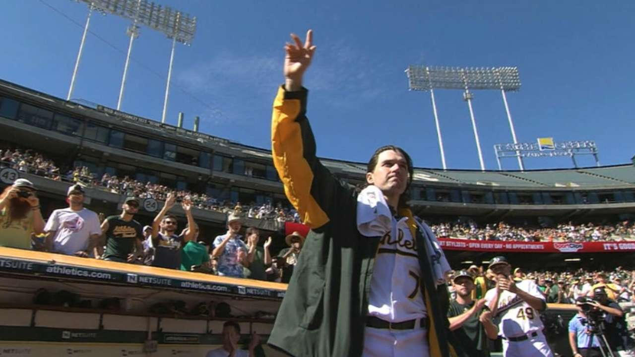 Fans cheer as Zito leaves game
