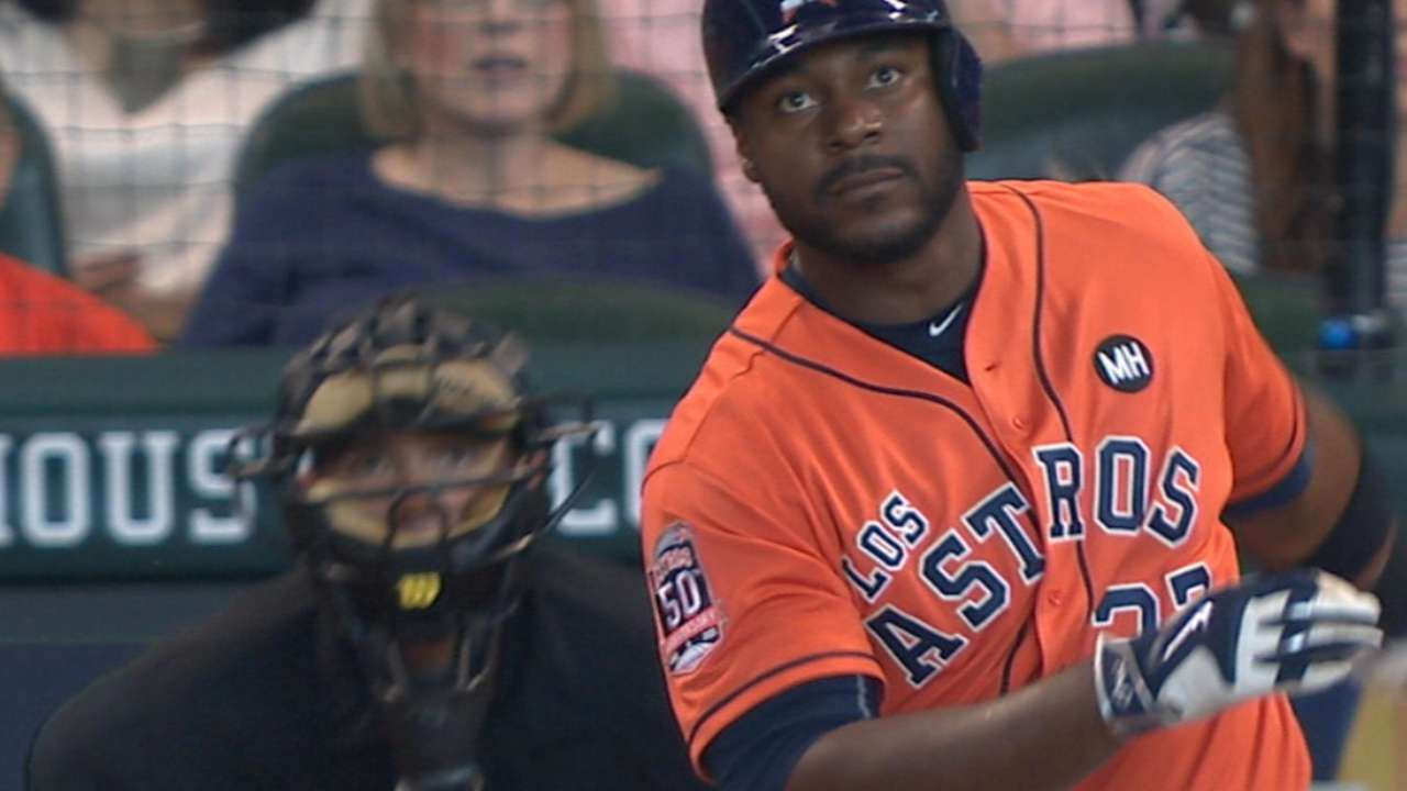 Astros mash 6 homers to gain on Rangers