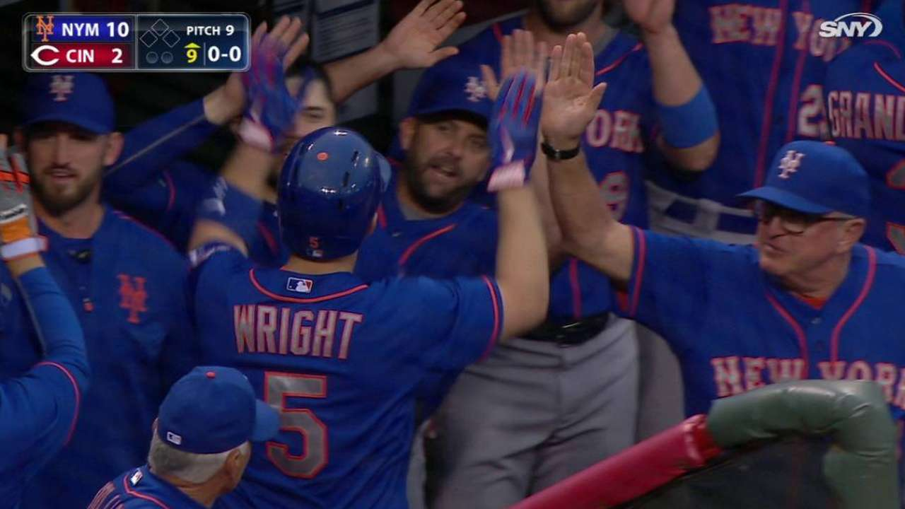 Wright punctuates Mets' clincher with homer