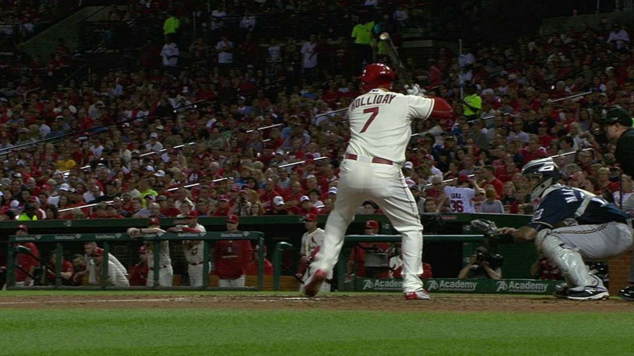 Holliday sparks Cardinals' offense