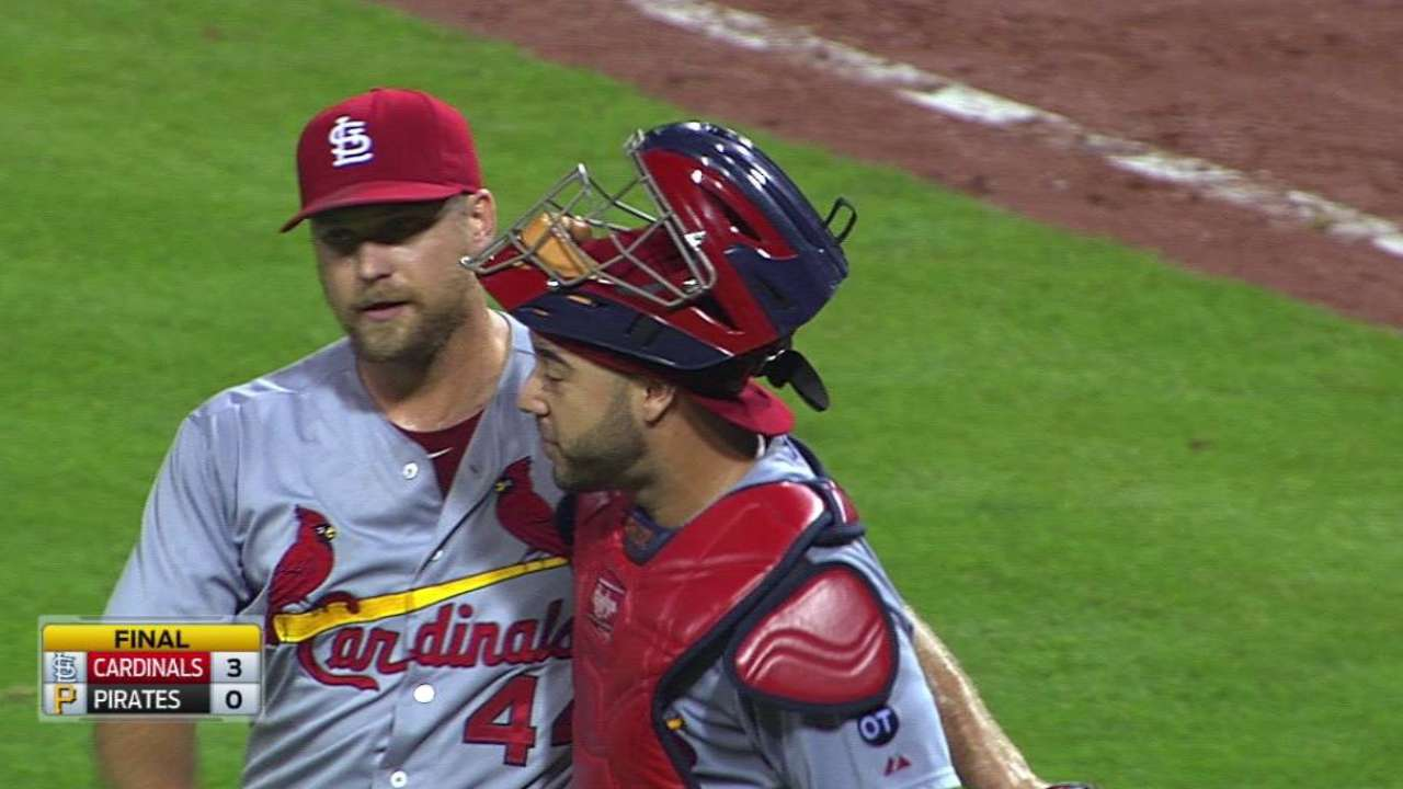 Rosenthal earns record 48th save
