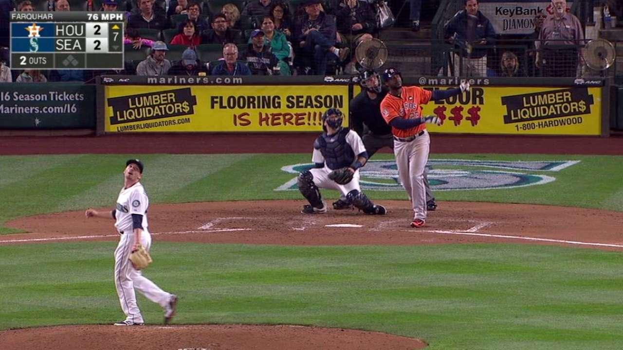 Astros ganan y se acercan a 1.5 juegos de Rangers