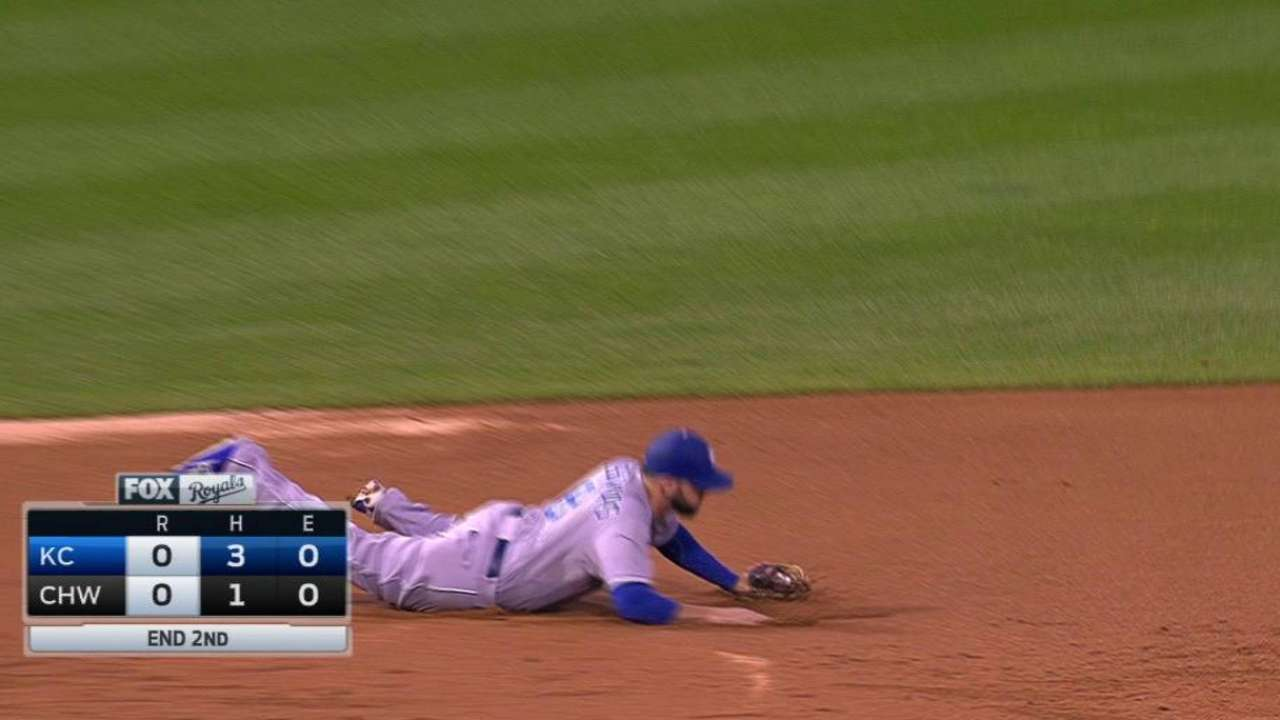 Moustakas' diving stop