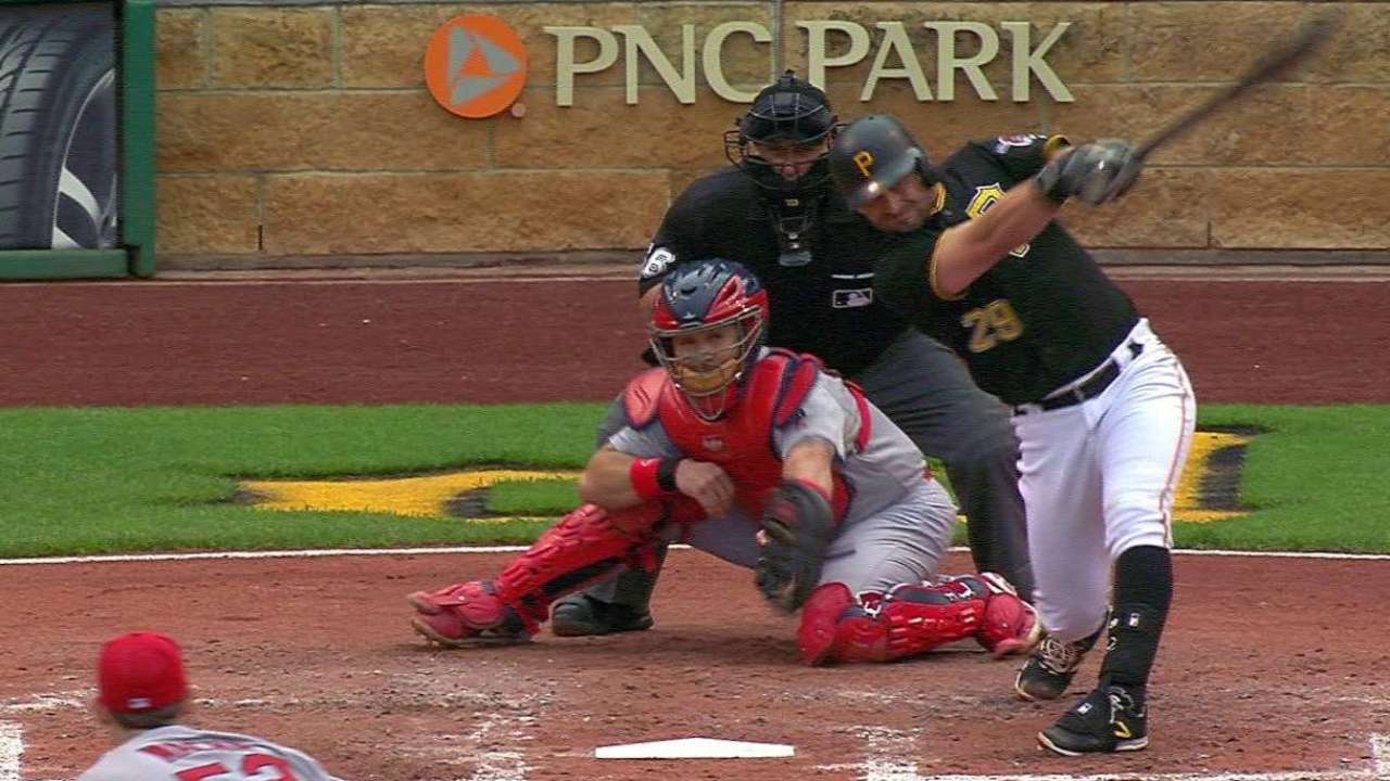 Cervelli, Cole pace Bucs in Game 1