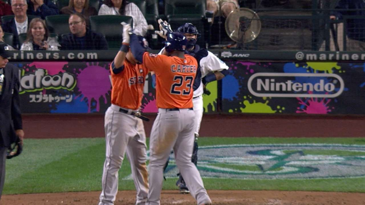 Astros outmuscle Seattle to regain WC edge
