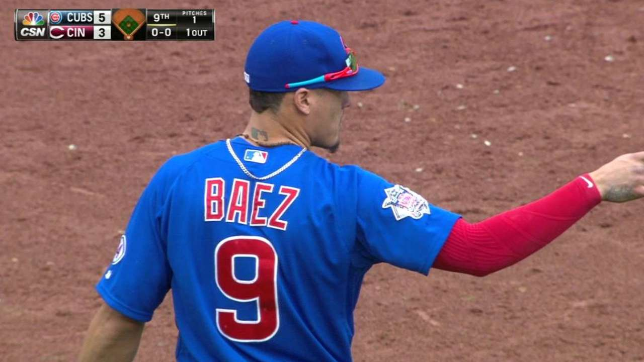 Baez's backhanded stop