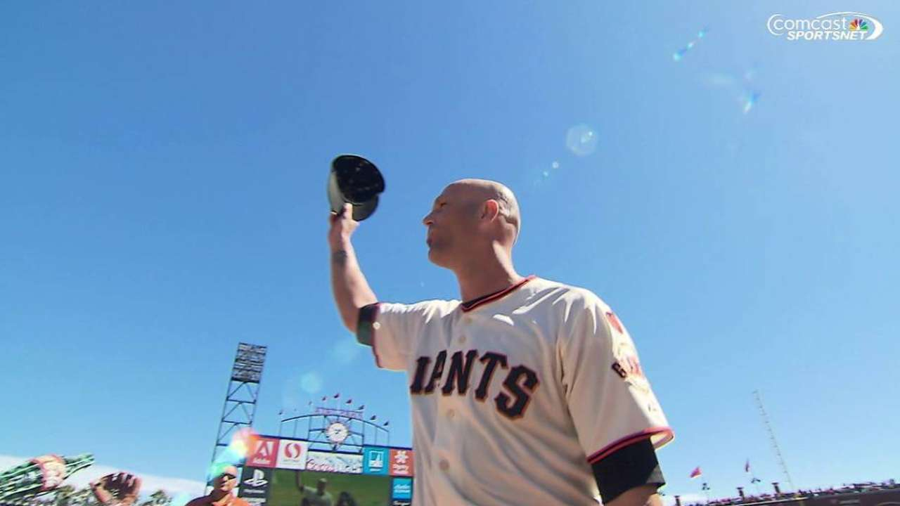 Giants give Hudson emotional sendoff in SF
