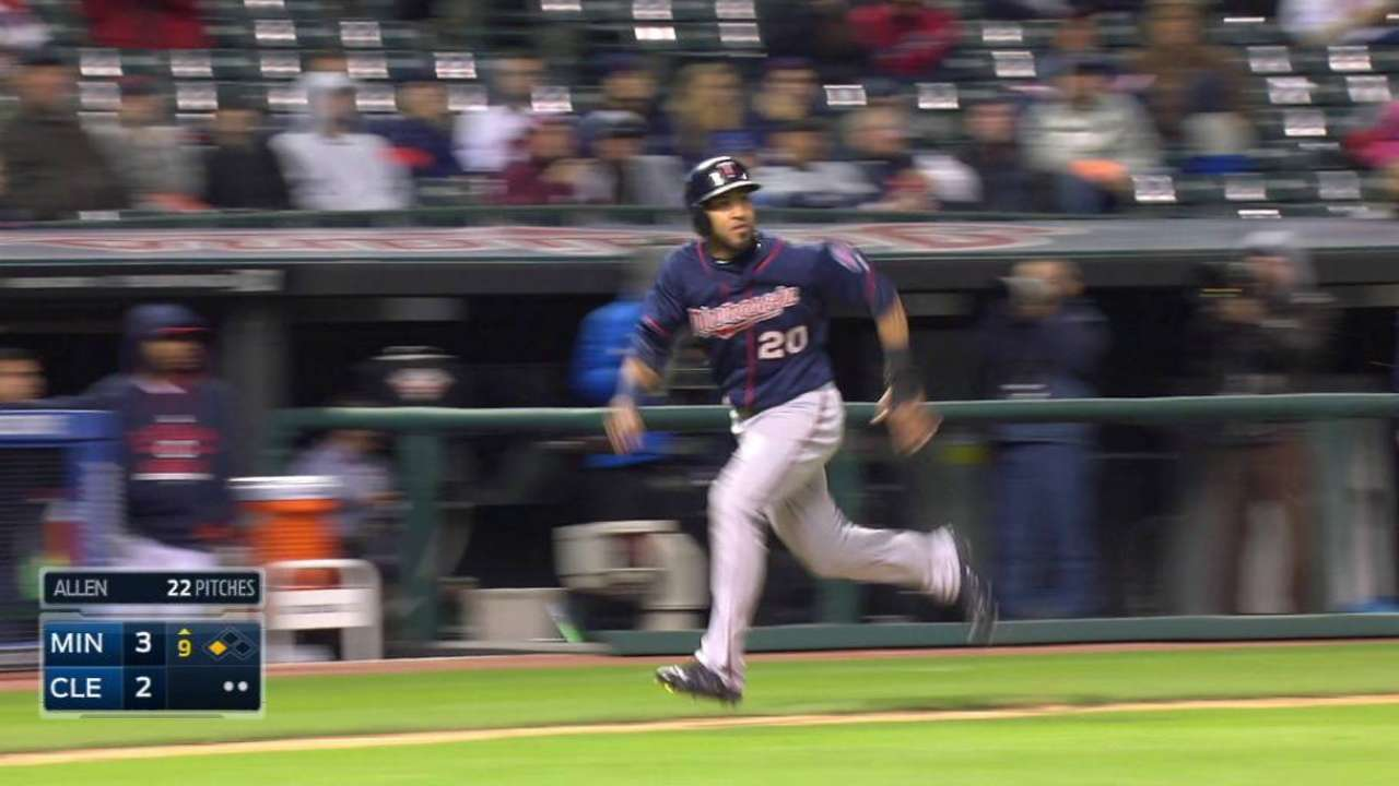 Twins rally past Tribe to gain in Wild race