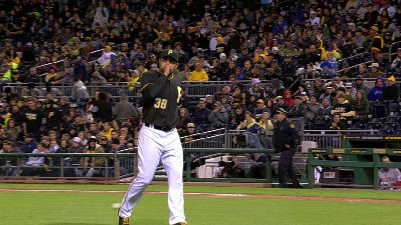 Pirates 'pen powers through for extra-inning win