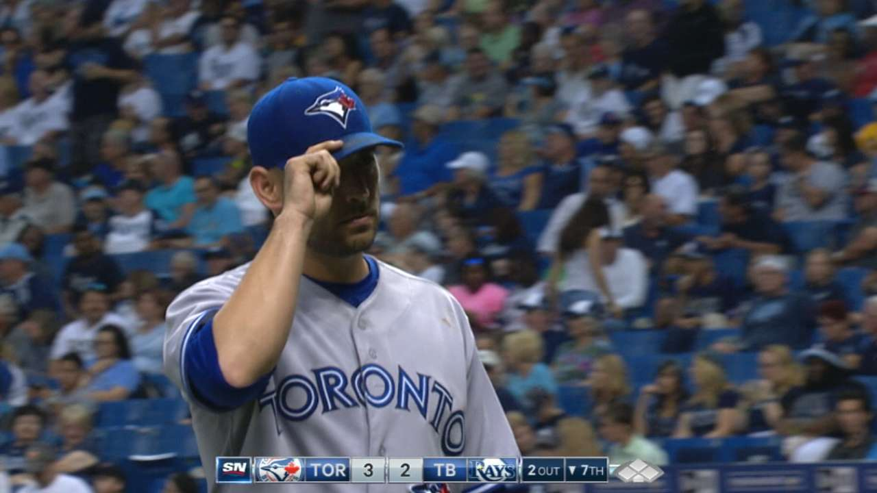 Estrada receives qualifying offer from Toronto