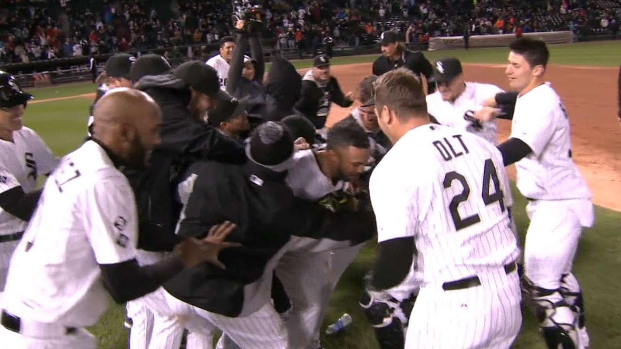 White Sox relish in walk-off as season nears end