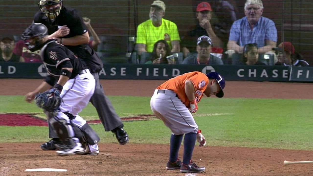 Altuve hit with bases loaded