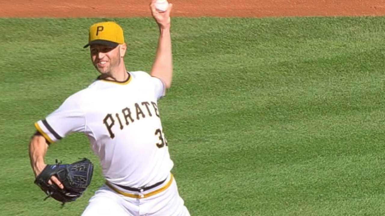 Happ to it: Lefty leads Bucs to home field