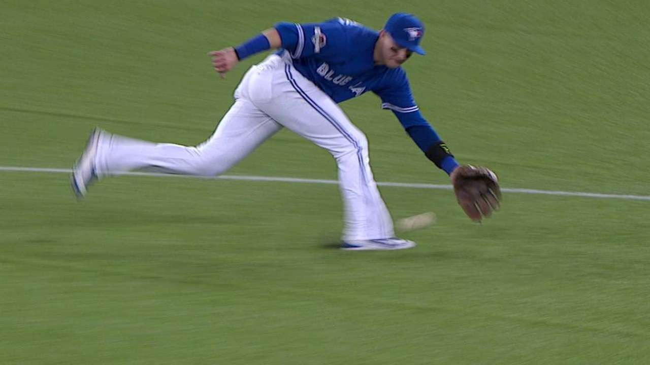 Tulo dazzles with spinning play up the middle