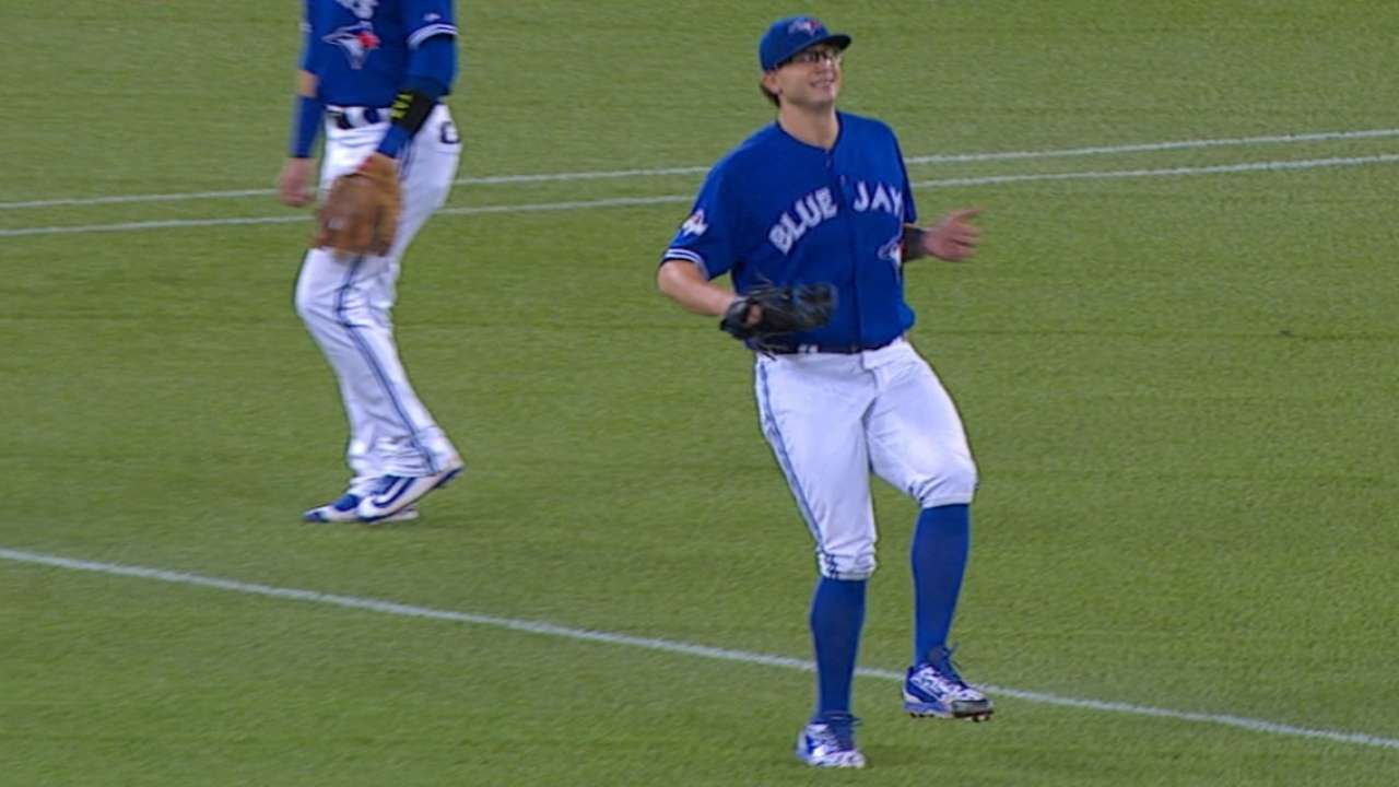 Cecil exits game after pickoff