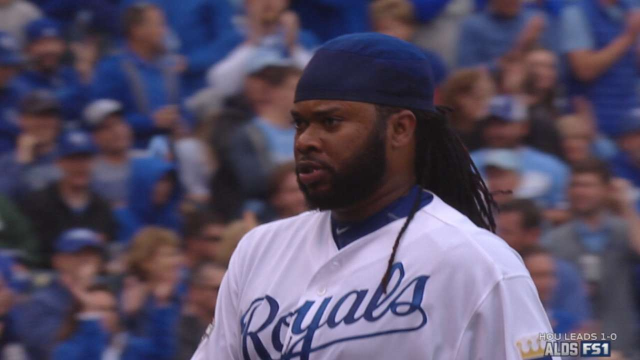 Cueto gets stronger later, keeps KC in it