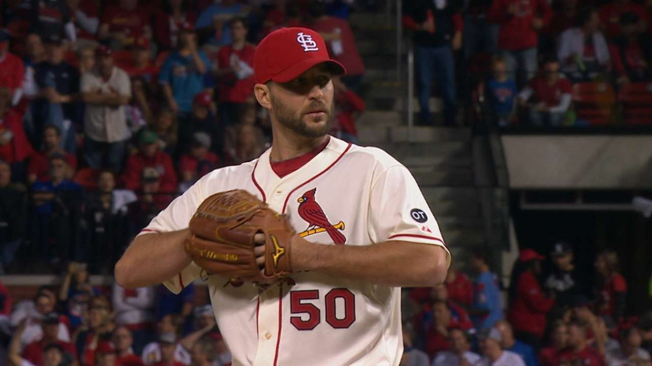Wainwright throws more zeros as playoff reliever