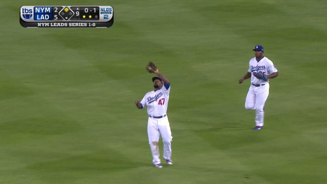 Bullpen excels in Dodgers' Game 2 victory
