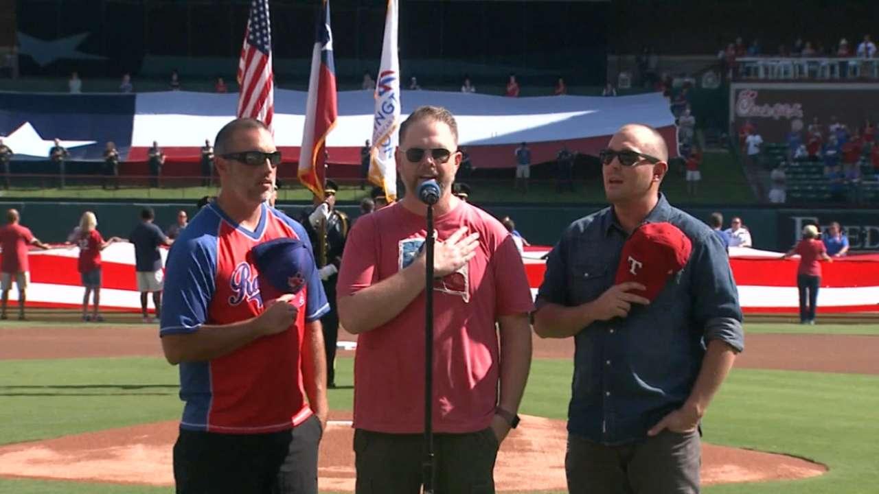 Rangers honor hometown in Game 4 pregame ceremonies